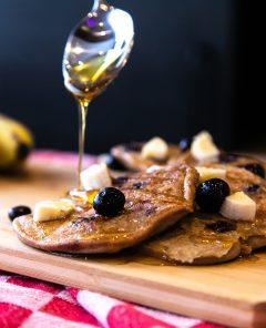 Blauwe-bessen-&-Bananen-pancakes